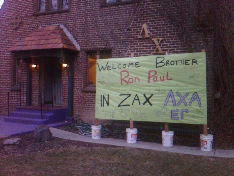 A University of Idaho fraternity welcomes Republican presidential hopeful Ron Paul.