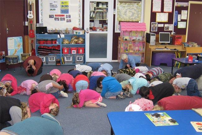 Waipawa kindergarten in New Zealand teaches children how to be safe in emergencies.