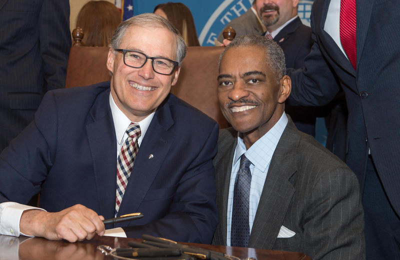 """Wash. Gov. Jay Inslee said Floyd """"loved inspiring students and challenging them. Thanks to Elson, there are Cougars all around the world engaged in innovative and influential work."""""""