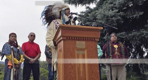 JoDe Goudy, chairman of the Yakama Nation, speaks to residents during a protest earlier this year.