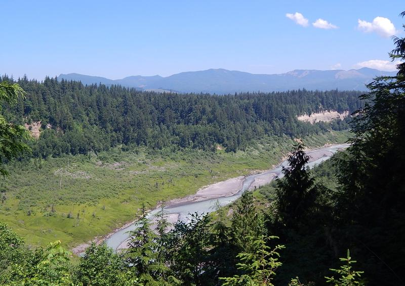 A view of the lower White River from a viewpoint on the Mud Mountain Dam.
