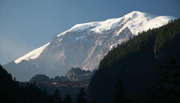 Recovering the bodies of climbers presumed dead on Mt. Rainier is still considered dangerous.