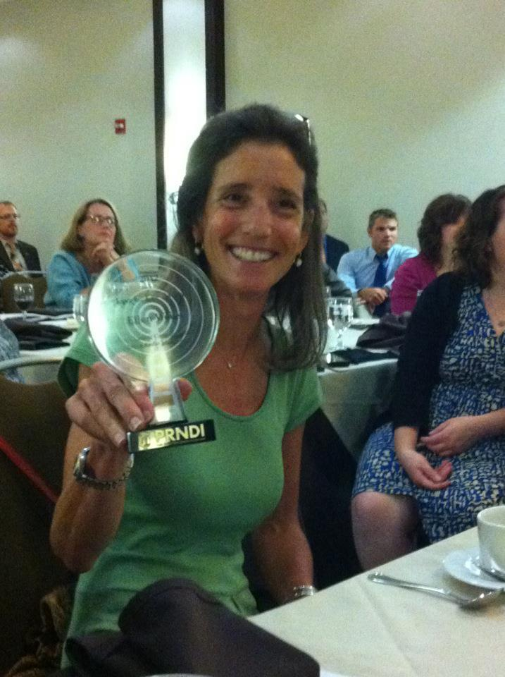 Public Media journalist Ellen Weiss, recipient of the 2013 Leo C. Lee Award.