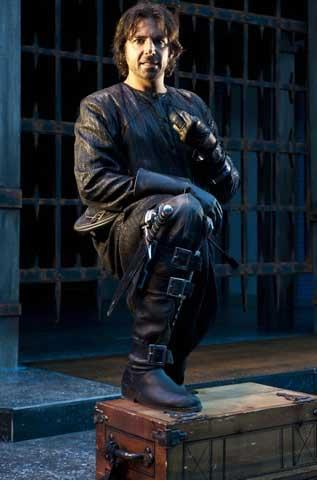Elijah Alexander as Richard in the Utah Shakespeare Festival's 2011 production of Richard III.