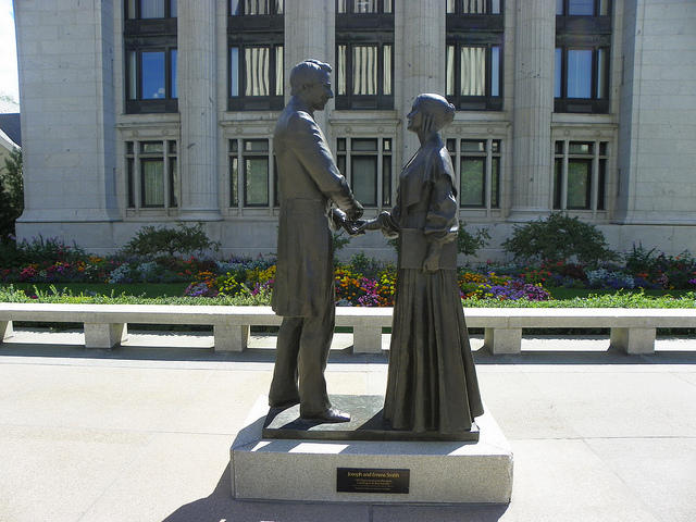 A statue of Joseph Smith and Emma Smith in Temple Square