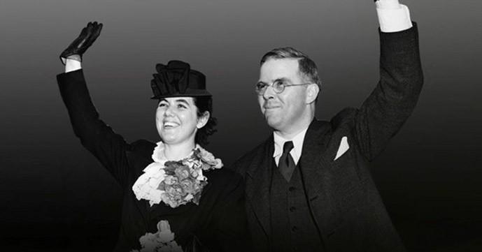 Waitstill and Martha Sharp embark for Czechoslovakia, 1939