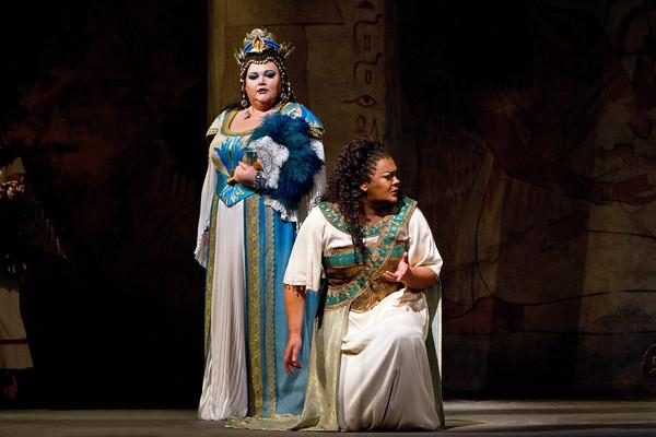 "Stephanie Blythe as Amneris and Violeta Urmana as the title character in Verdi's ""Aida"""