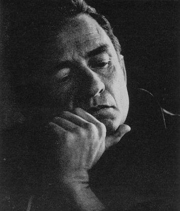 https://commons.wikimedia.org/wiki/File:JohnnyCash1969.jpg