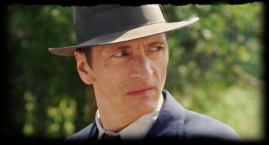"John Hawkes as Finnon ""Arkie"" Burks"