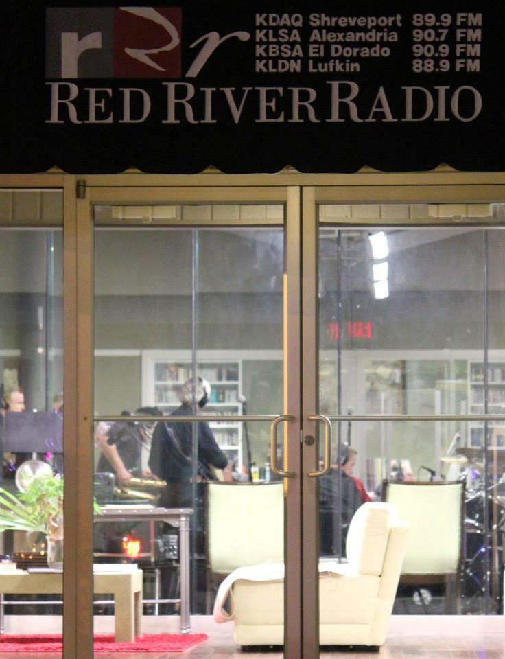 Earshot Graffiti Live on Red River Radio