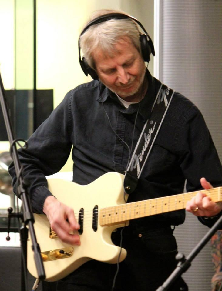 Steve Boose: Vocals & Guitar