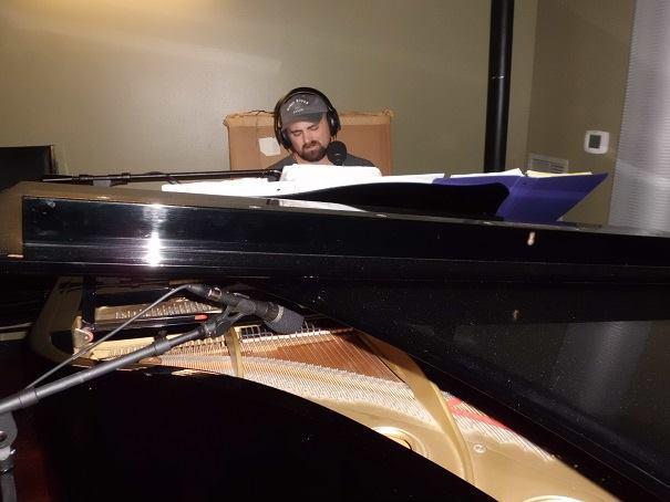 Winston Hall, piano