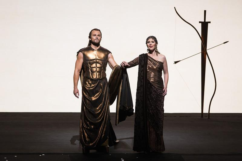 Ryan McKinny as Theseus and Tamara Mumford as Hippolyta