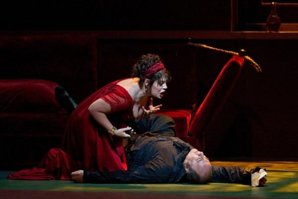 Sondra Radvanovsky in the title role of Tosca