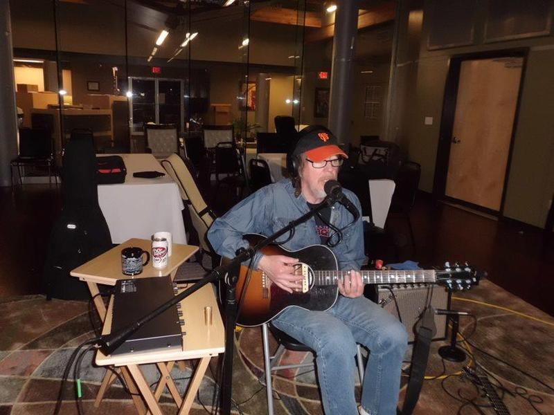 uddy Flett, live on Red River Radio.
