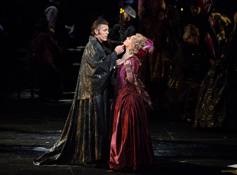 Thomas Hampson as Dapertutto and Christine Rice as Giuletta