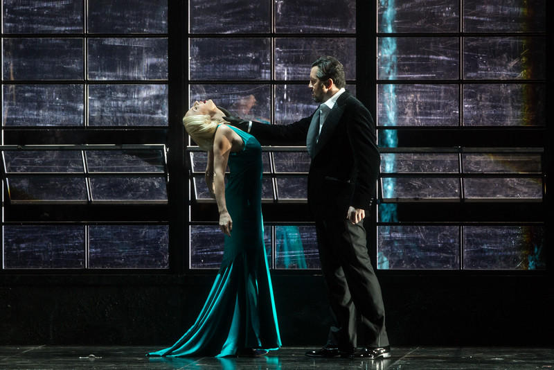 Nadja Michael as Judith and Mikhail Petrenko as Bluebeard