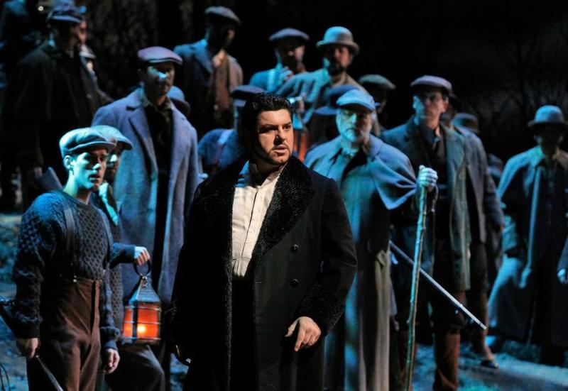 Luca Salsi as Enrico in Donizetti's Lucia di Lammermoor