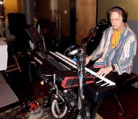 Rodger Barnes (Keys, Percussion & Vocals)