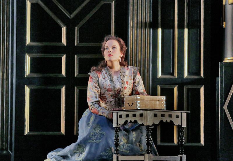 Elīna Garanča as Sara in Donizetti's Roberto Devereux