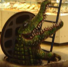 https://commons.wikimedia.org/wiki/File:Sewer_gator.jpg