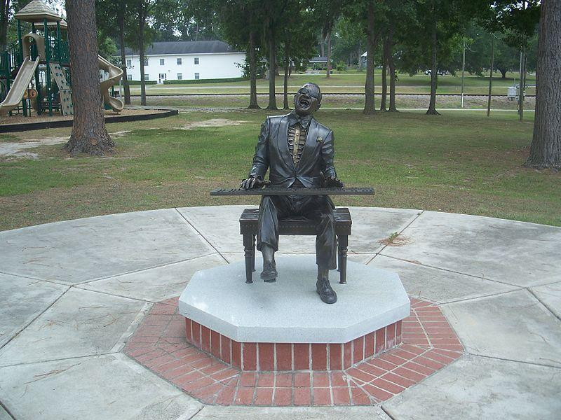 https://commons.wikimedia.org/wiki/File:Greenville_FL_Hays_Park_Ray_Charles_statue02.jpg