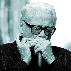 https://commons.wikimedia.org/wiki/File:Toots_thielemans.jpg