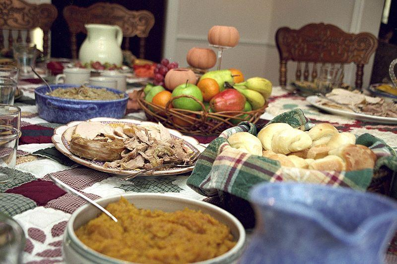 https://commons.wikimedia.org/wiki/File:TraditionalThanksgiving.jpg