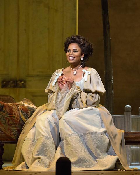 Pretty Yende as Rosina in Il Barbiere di Siviglia