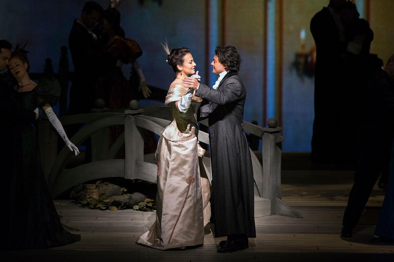 Isabel Leonard as Charlotte and Vittorio Grigolo in the title role of Massenet's Werther