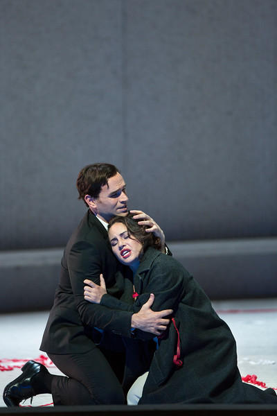 Michael Fabiano as Alfredo and Sonya Yoncheva as Violetta in Verdi's La Traviata.