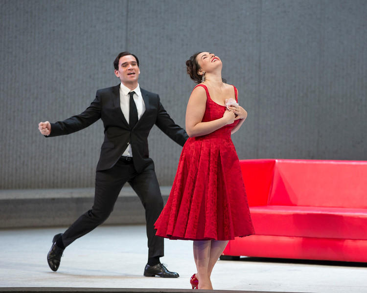 Michael Fabiano as Alfredo and Sonya Yoncheva as Violetta in Verdi's La Traviata