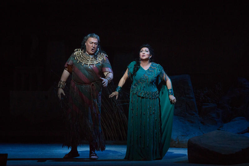 George Gagnidze as Amonasro and Krassimira Stoyanova in the title role of Verdi's Aida