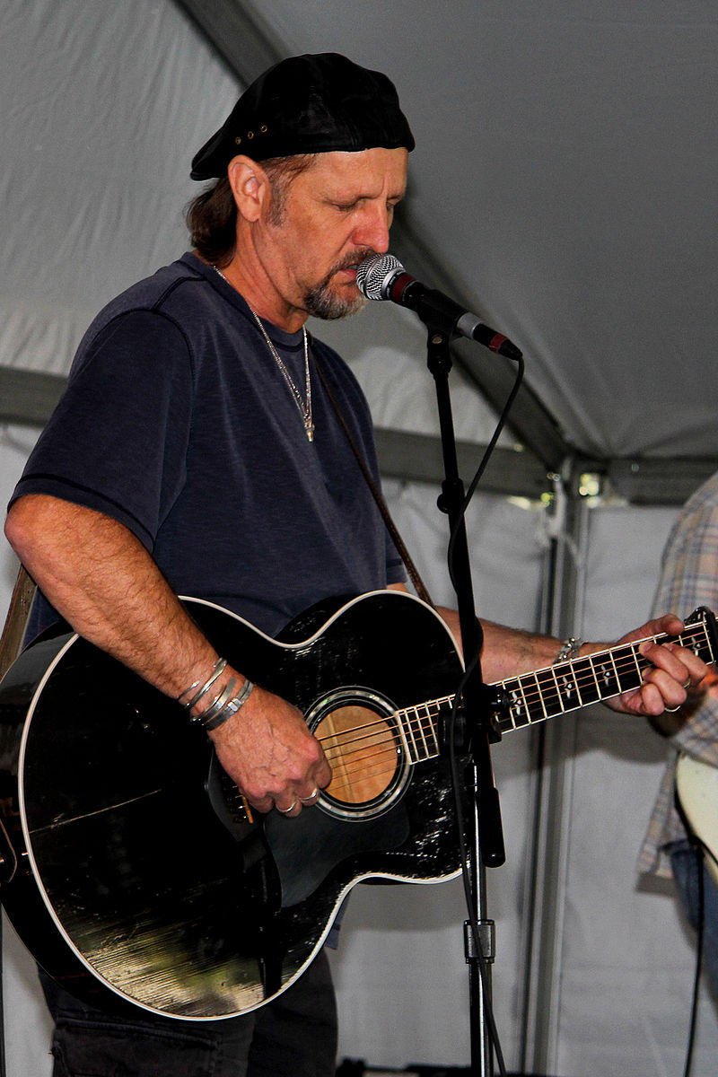 https://commons.wikimedia.org/wiki/File:Jimmy_lafave_2012.jpg