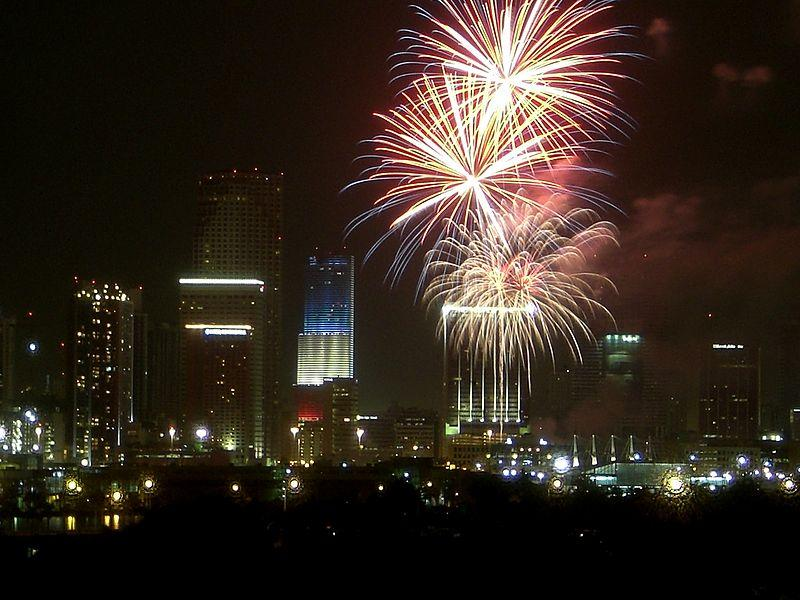 https://commons.wikimedia.org/wiki/File:Miamifireworks.jpg