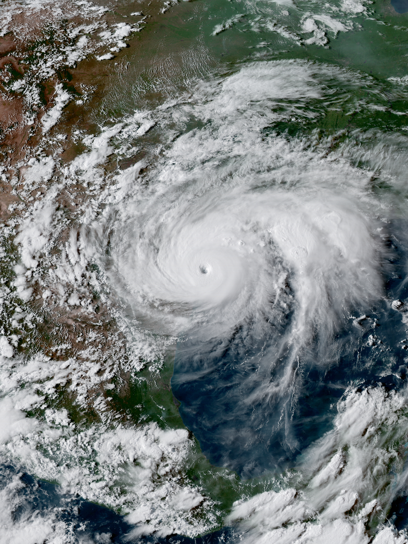 https://commons.wikimedia.org/wiki/File:Harvey_2017-08-25_2231Z.png