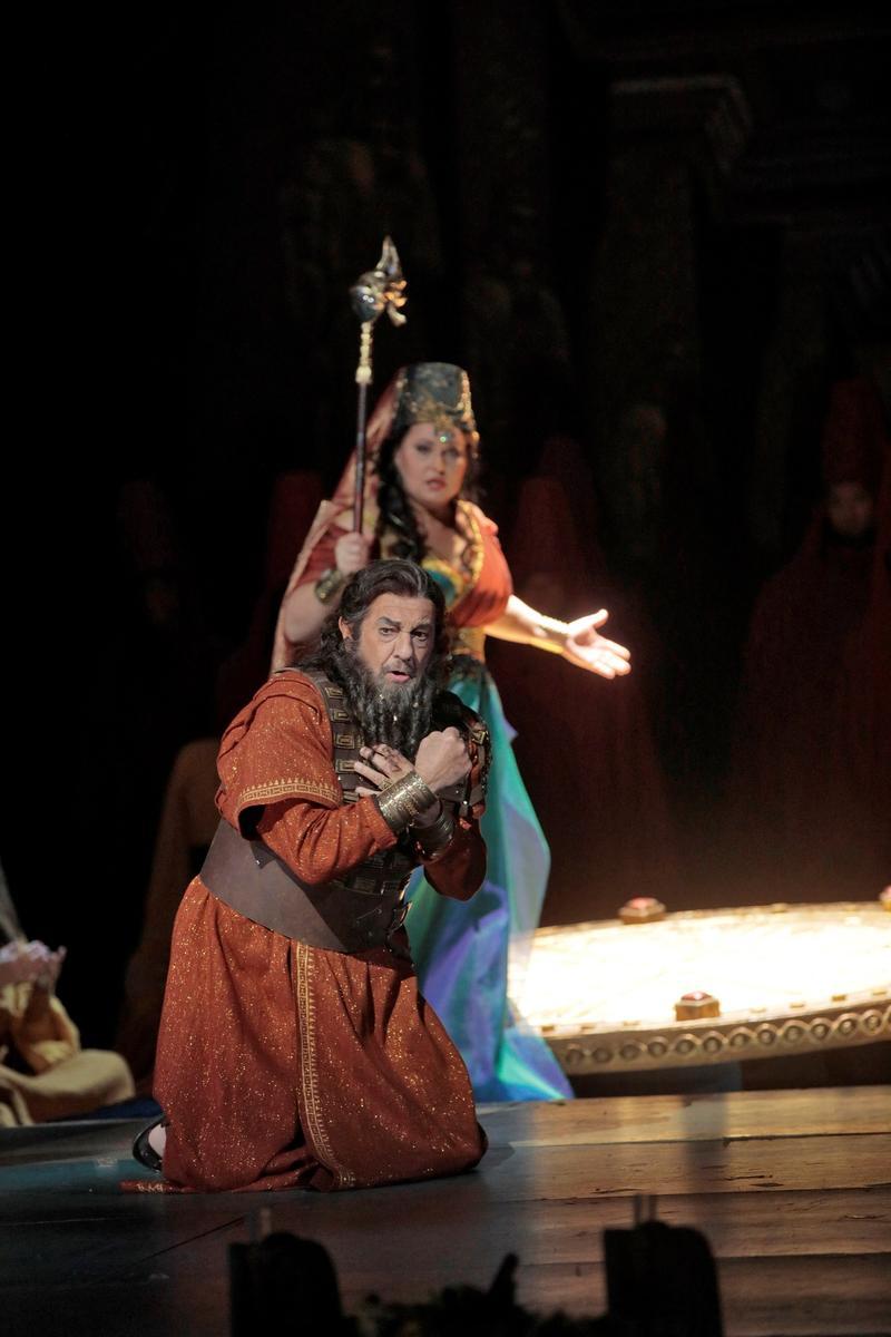 Placido-Domingo and Lyudmila Monastyrska in Nabucco
