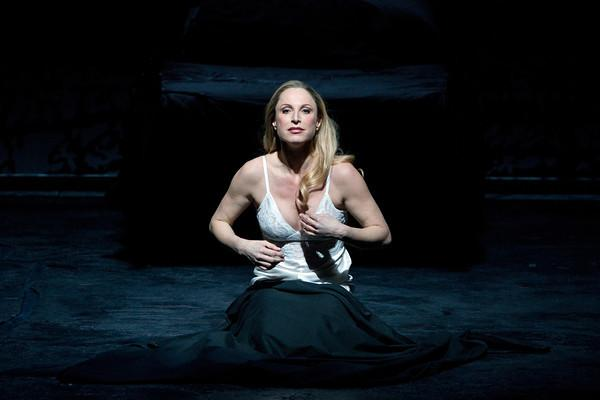 "Nadja Michael as Lady Macbeth in Verdi's ""Macbeth."""