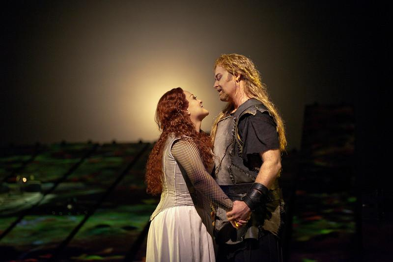 "Jay Hunter Morris as the title character and Deborah Voigt as Brünnehilde in the Met's new production of Wagner's ""Siegfried."""