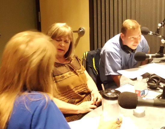 Counselor Jan Burns (center)