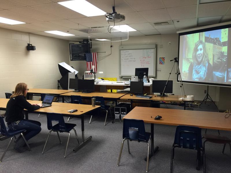 Student Brooke Hart and Spanish Master Teacher Gayla Martens meet virtually for a speaking exercise.