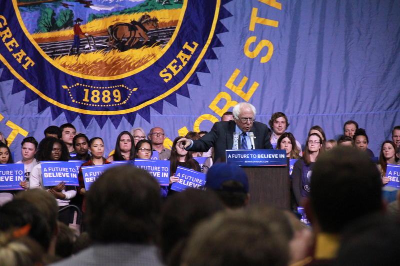 Democratic Presidential Candidate Bernie Sanders addressing a crowd of 4,300 at the Sioux Falls Convention Center.