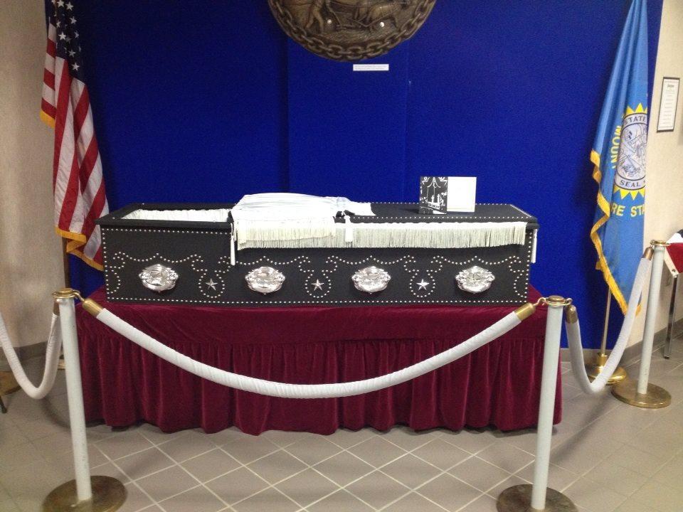 Abraham Lincoln Replica Casket Sdpb Radio