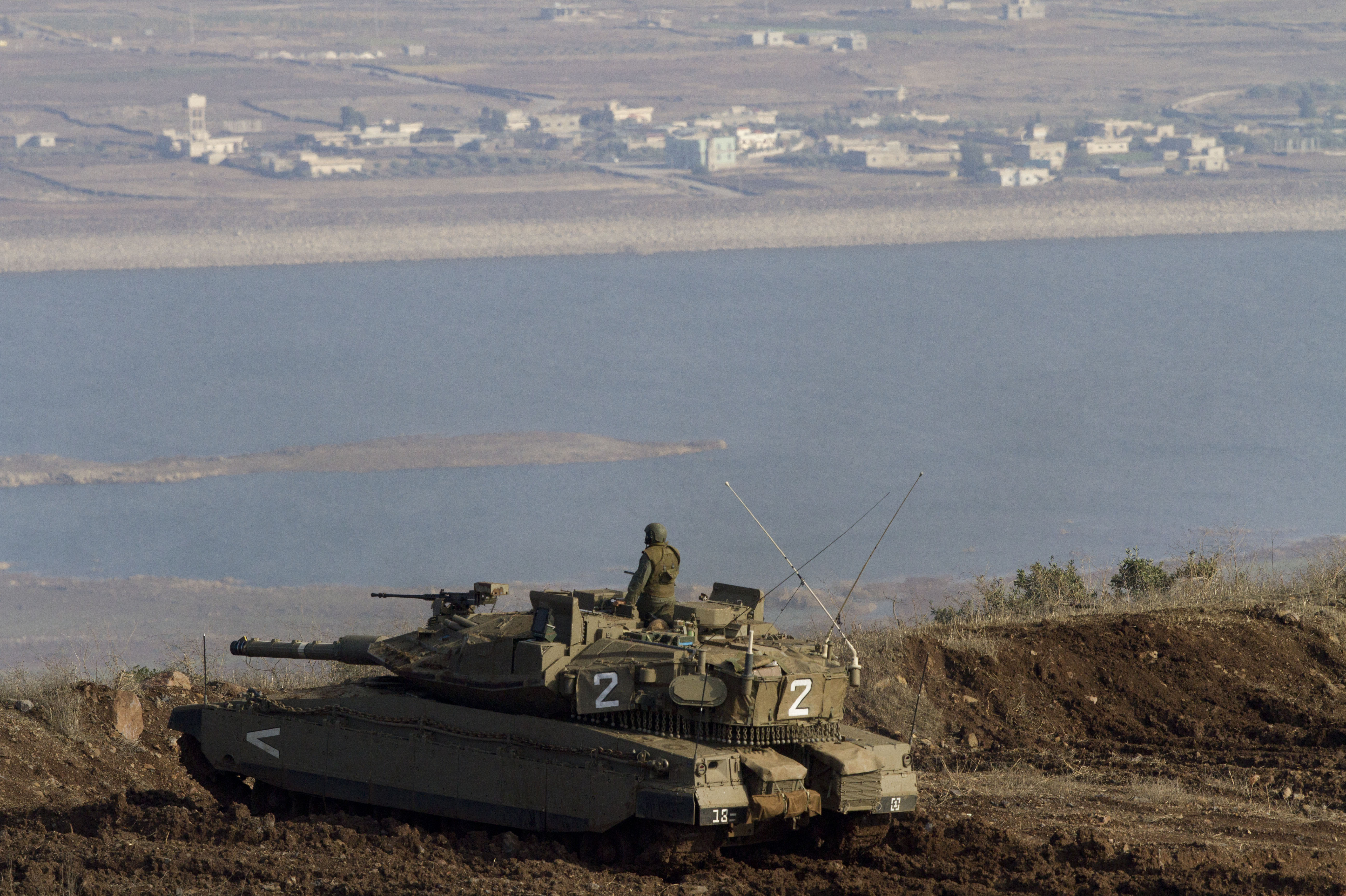 Wary Of Syria S War Israel Plans A Fence In The Golan