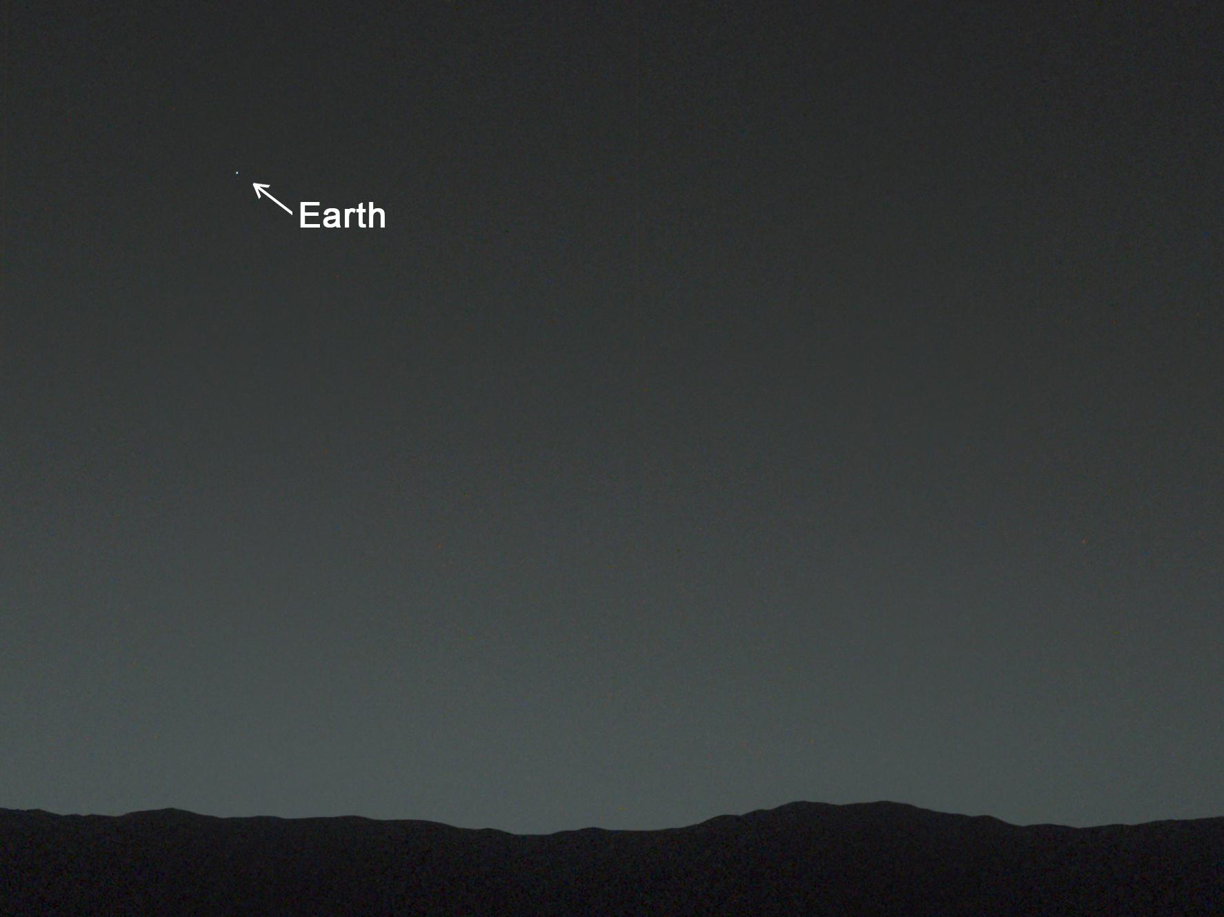 far earth from mars - photo #5