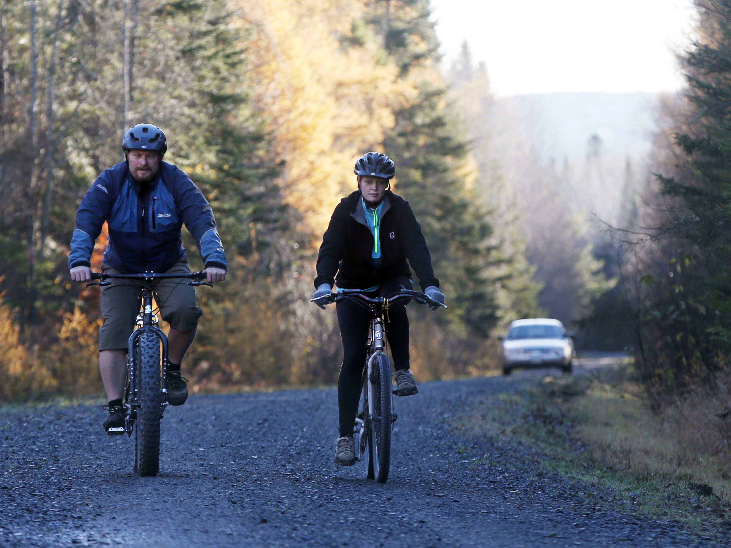 Maine 39 s gov threatens legal action to force nurse into for Bike rides in maine