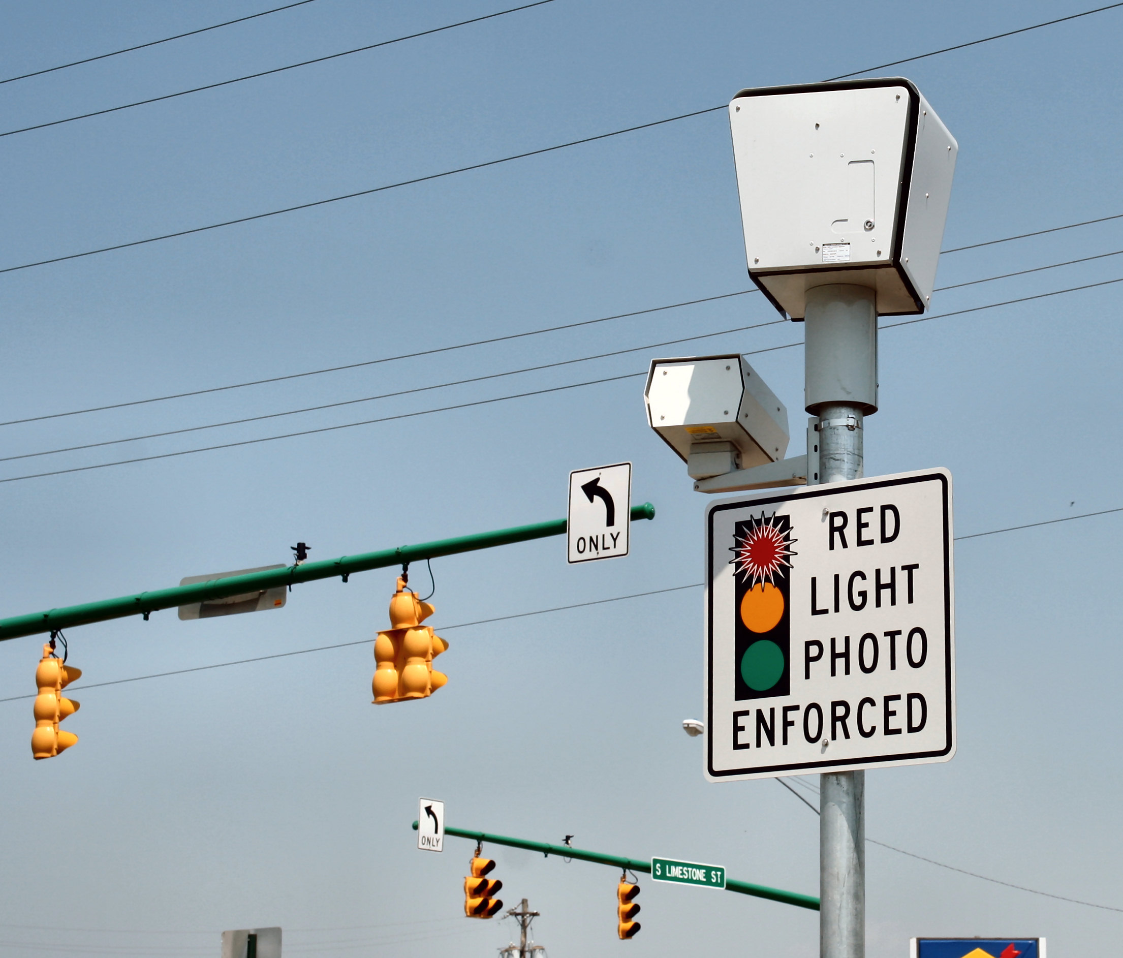 Florida Justices To Weigh In On Red Light Cameras | WLRN