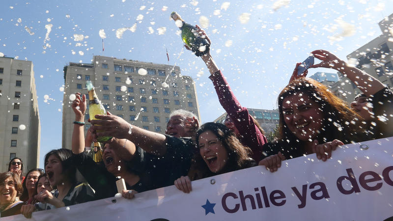 abortion in chile Laws protecting unborn life could soon be swept away in chile, a deeply pro-life south american nation—if the far-left socialist chilean president michelle bachelet gets.