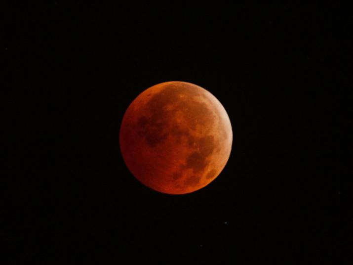 bd3e1647a3da The reddish hue during the December 2010 total lunar eclipse.