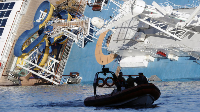 search of stricken italian cruise ship resumes after third